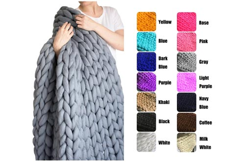 10. EASTSURE Chunky Knit Blanket